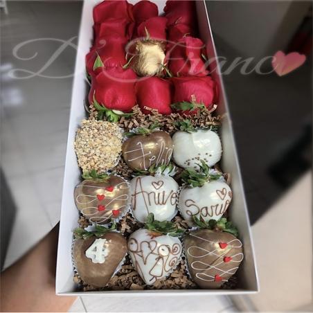 Caja de rosas con fresas cubiertas de chocolate