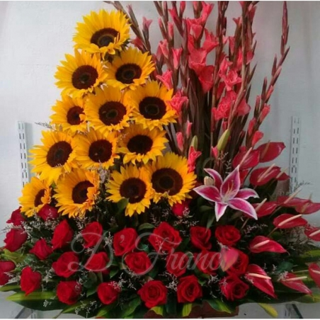 Girasoles y Rosas Rojas Cali