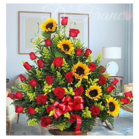 Arreglo Floral Con Girasoles y Rosas Cali