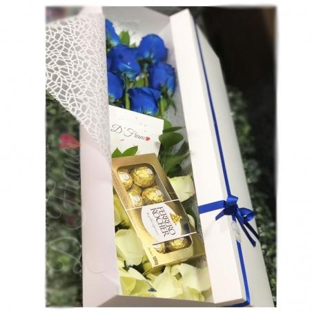 Caja de rosas Azules Con Chocolates